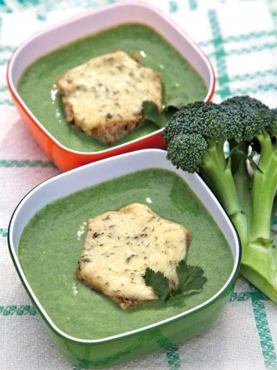 Brokkolisuppe mit Bärlauchcroûton
