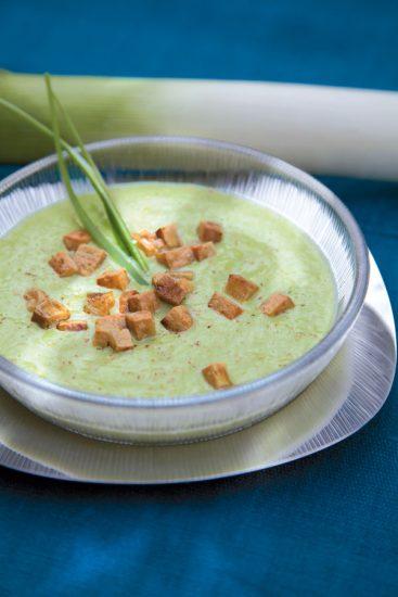 Lauchcreme mit Tofu-Croutons