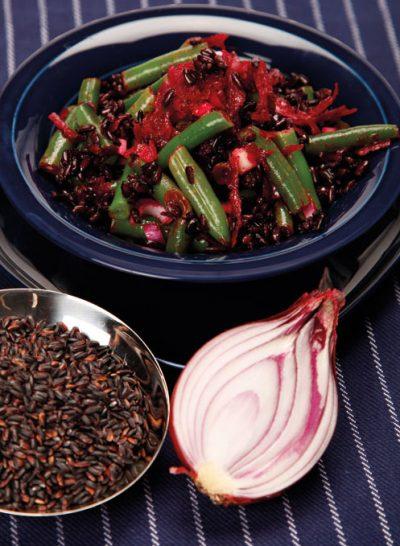Schwarzer Reissalat mit Bohnen