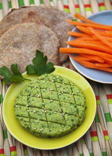 Hummus von grünen Erbsen