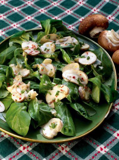 Feldsalat mit Champignonsahne