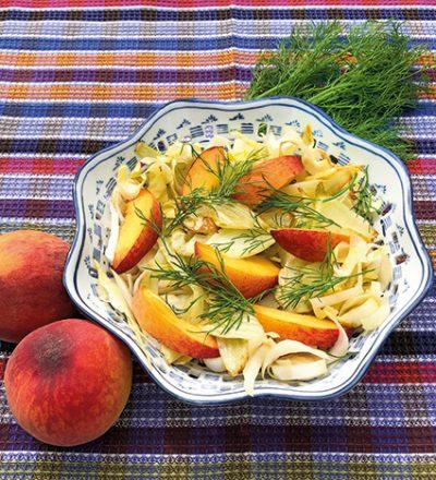 Chicorée-Fenchel-Salat mit Pfirsich
