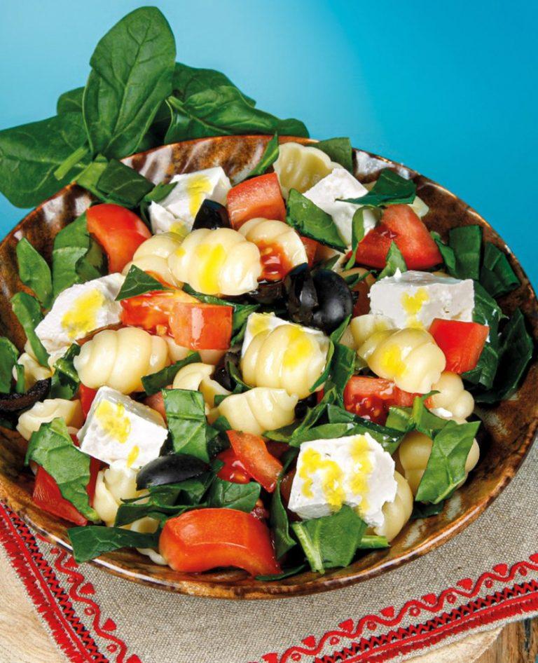 Nudelsalat mit Spinat