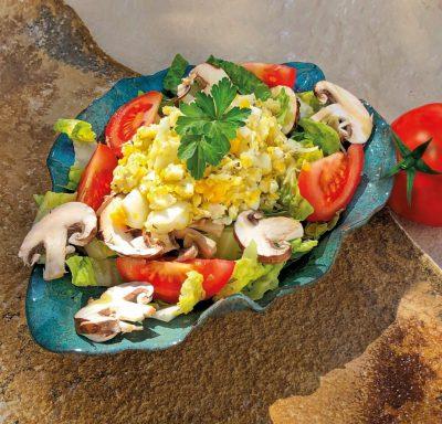 Frischer Salat zur Grillsaison