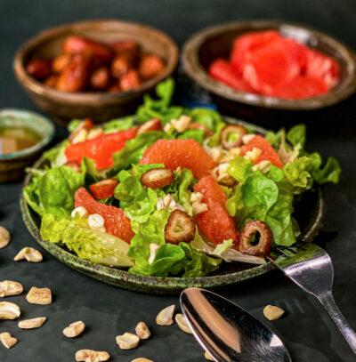 Salat mit Grapefruit und Datteln