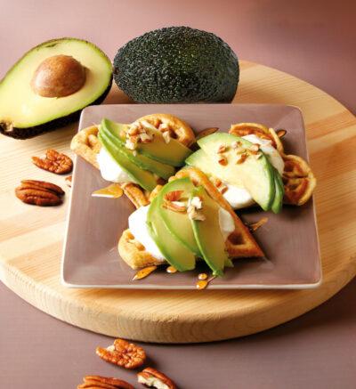 Süße Waffeln mit Avocado